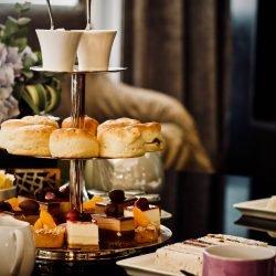 Duka upp för afternoon tea!